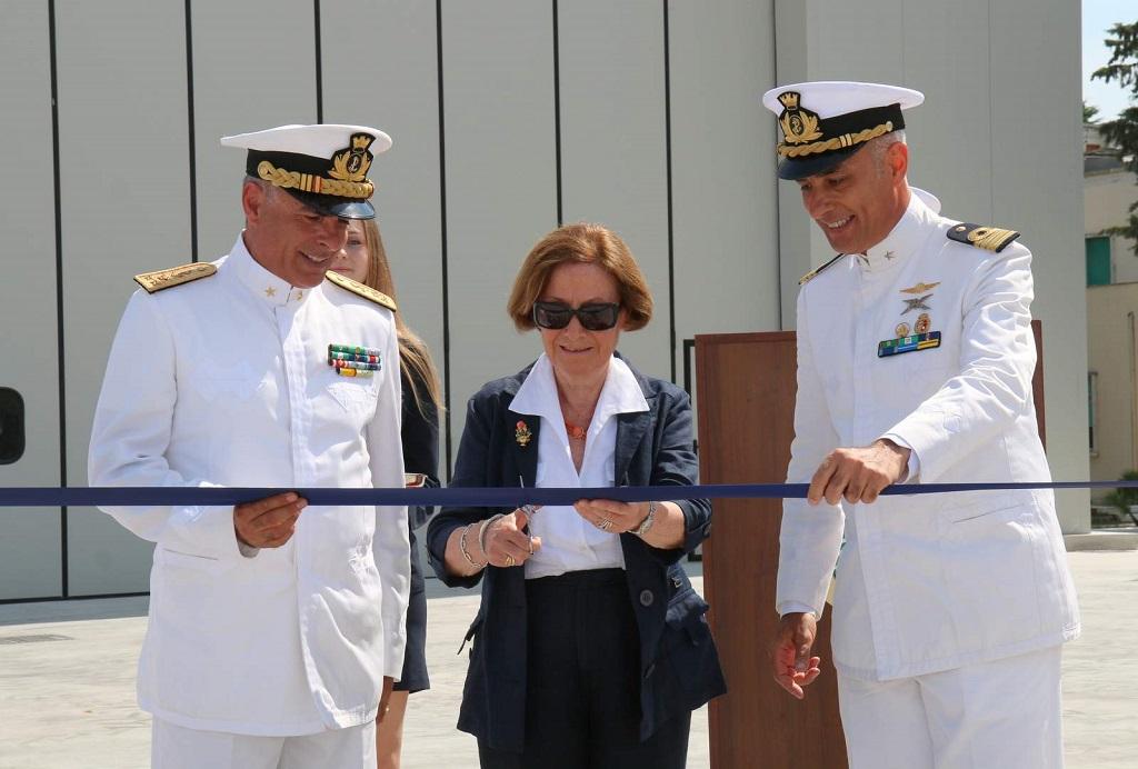http://www.casoli.info/casoli/cronaca/inauguraz_hangar_guardia_costiera_PE_1.jpg